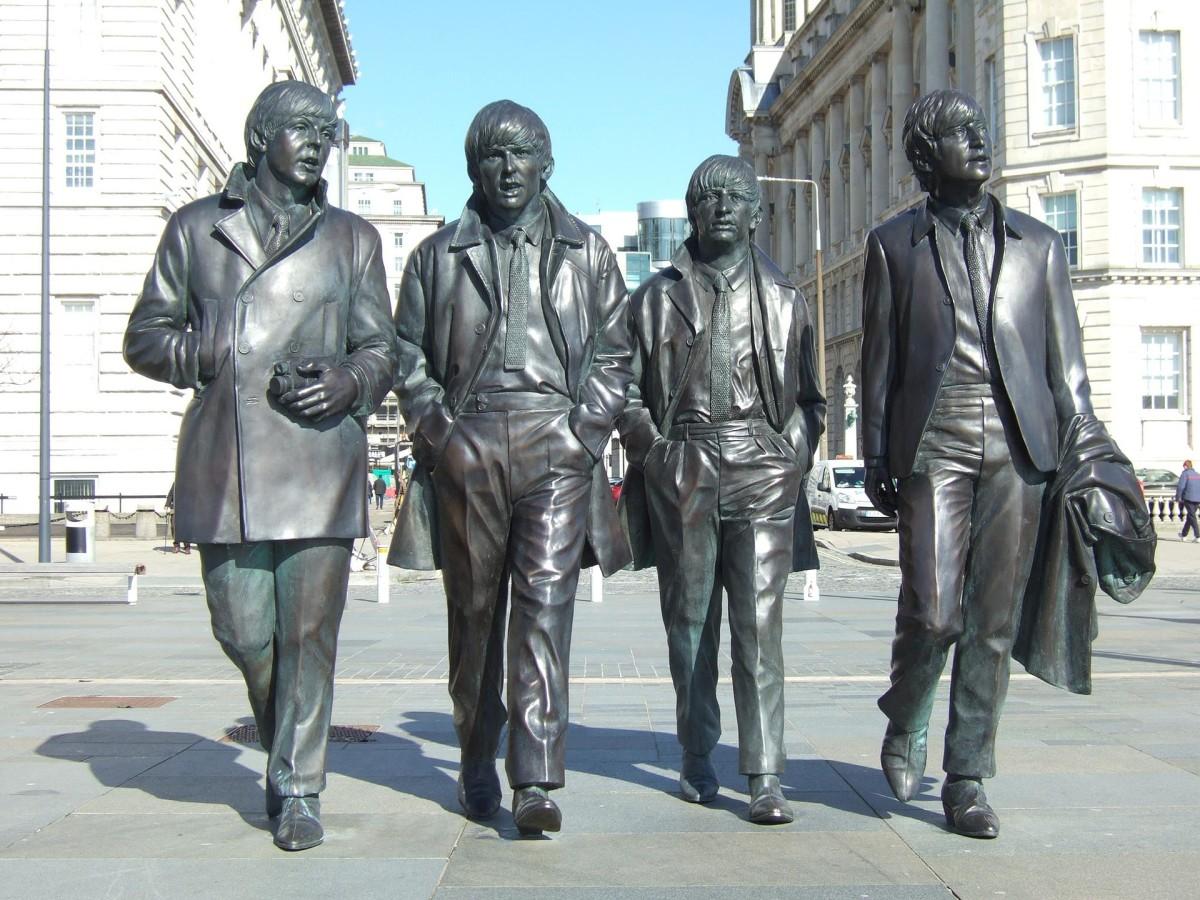 Who Split Up the Beatles: Paul McCartney or John Lennon?