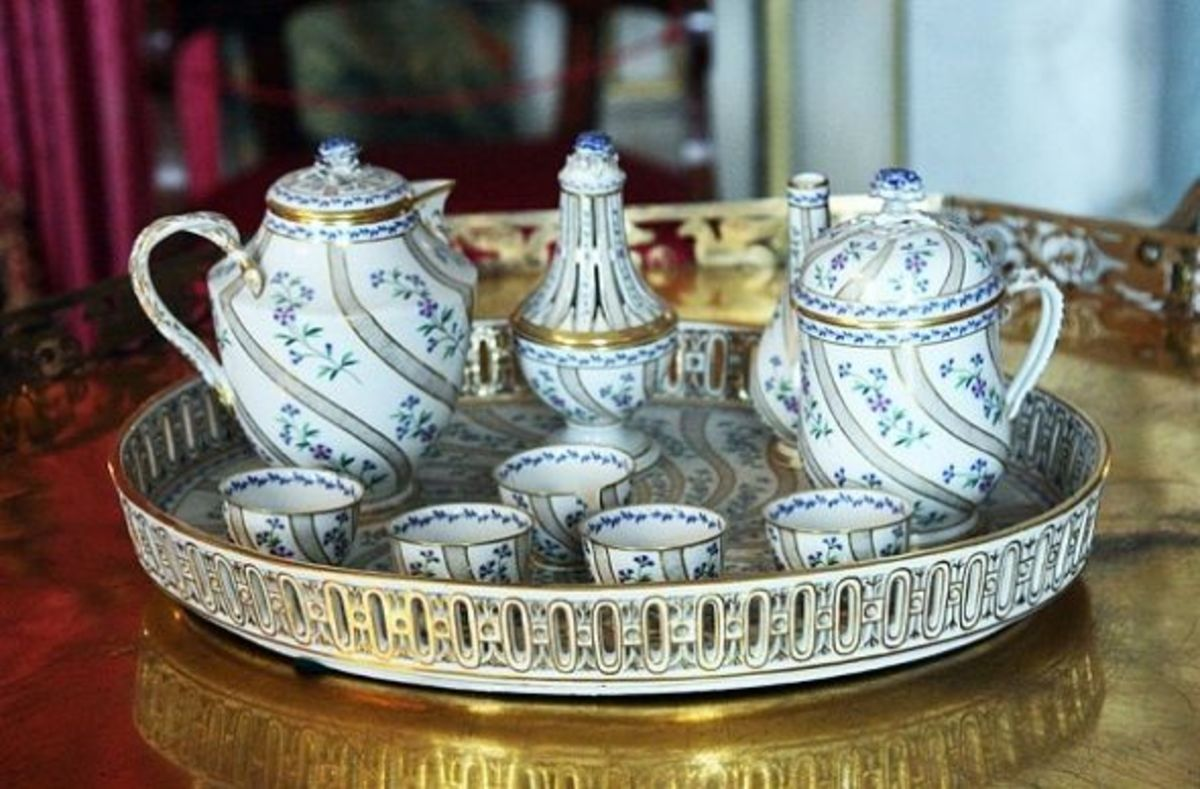 Early 19th century porcelain tea service