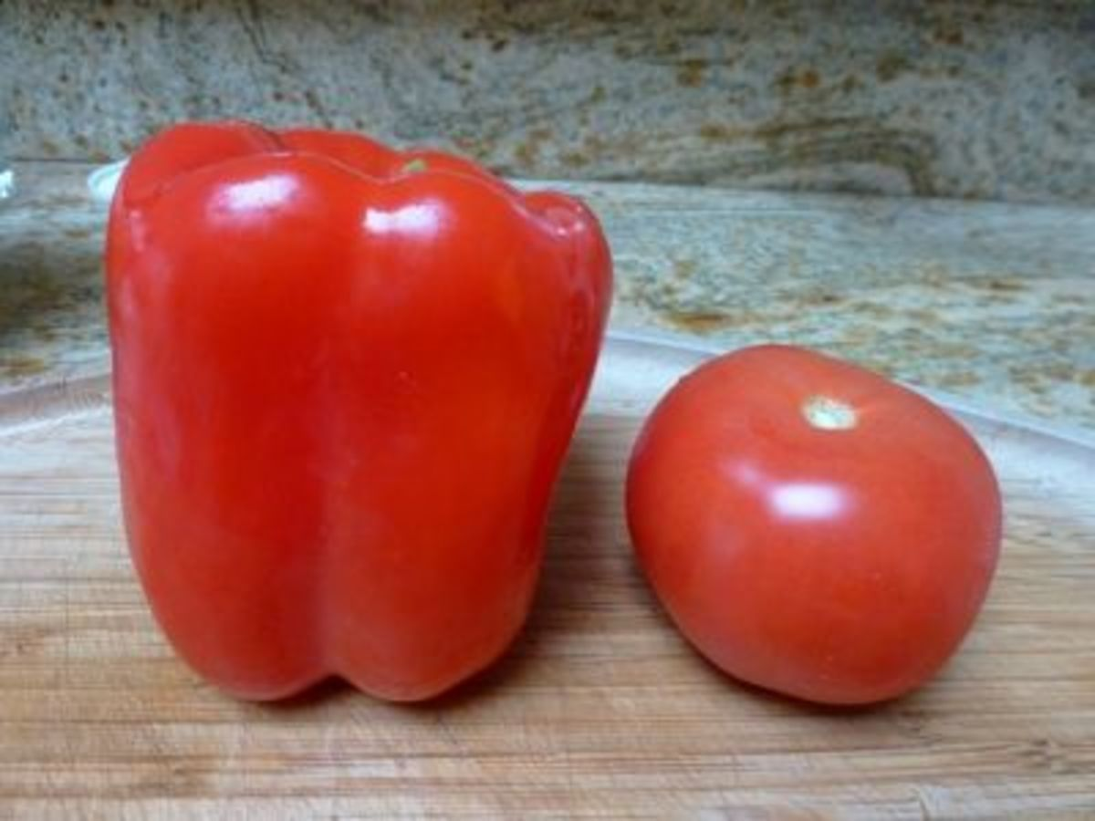 Red bell pepper contains more vitamins A and C than bell peppers of other colors. Tomatoes are rich in potassium and antioxidant