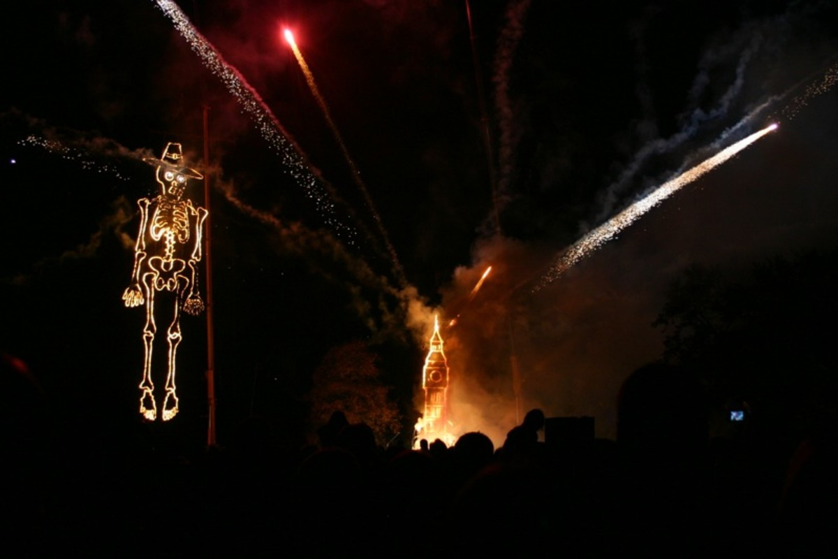 Guy Fawkes Night is celebrated annually in England on 5 November.