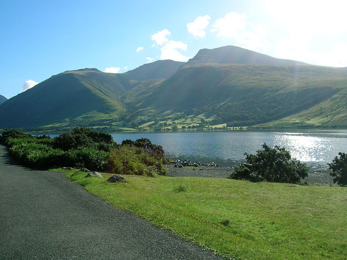Scafell Pike in the background, Wastwater in the foreground, within the Lake District National Park.