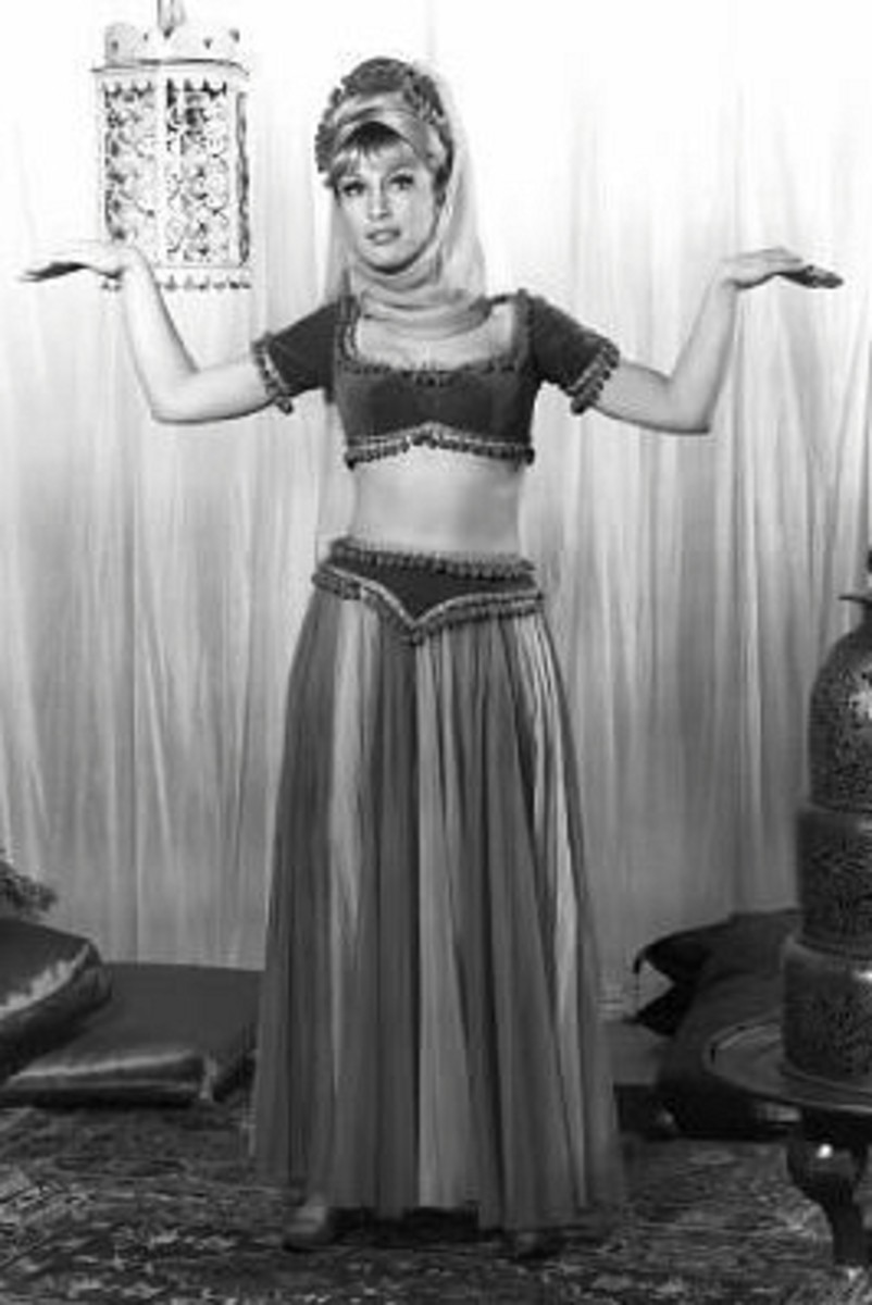 Although her navel usually is covered, avid fans note that Genie's bellybutton is evident in several episodes.