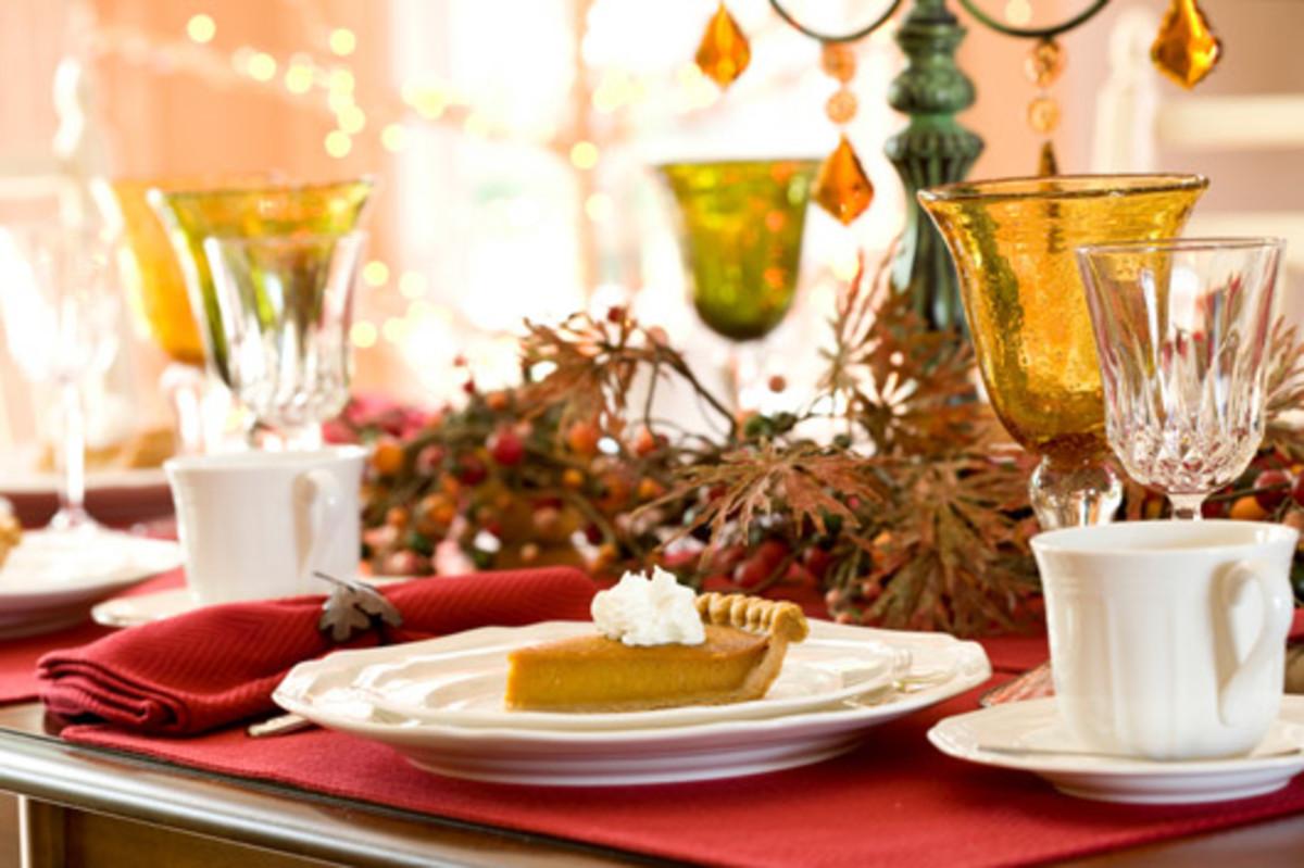 Thanksgiving table decorating idea