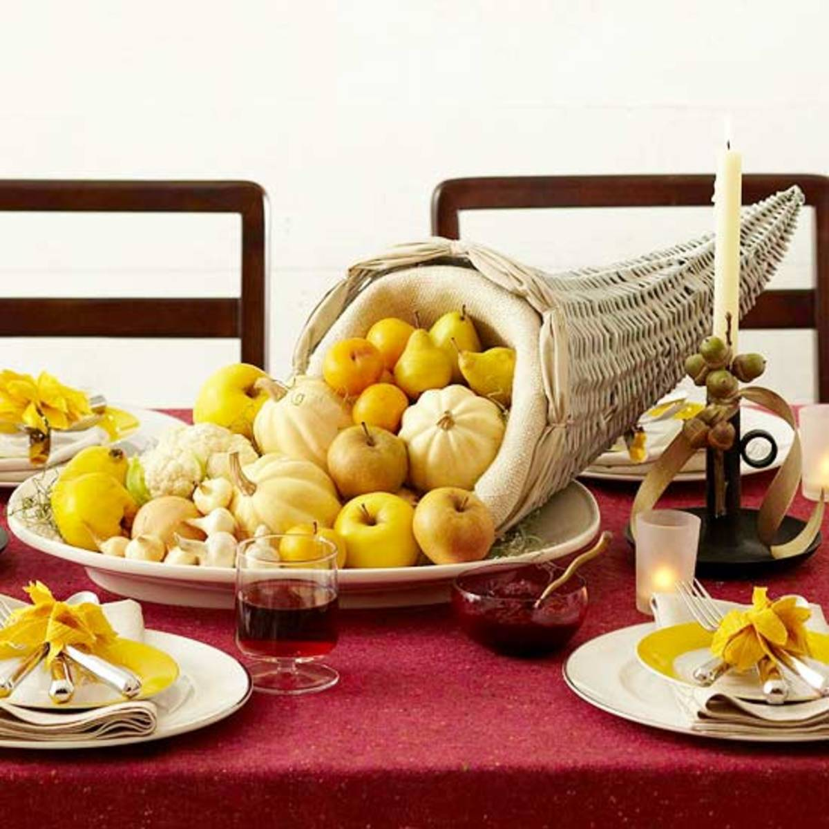 Fill a cornucopia basket full of food of the same colors to provide cohesion.