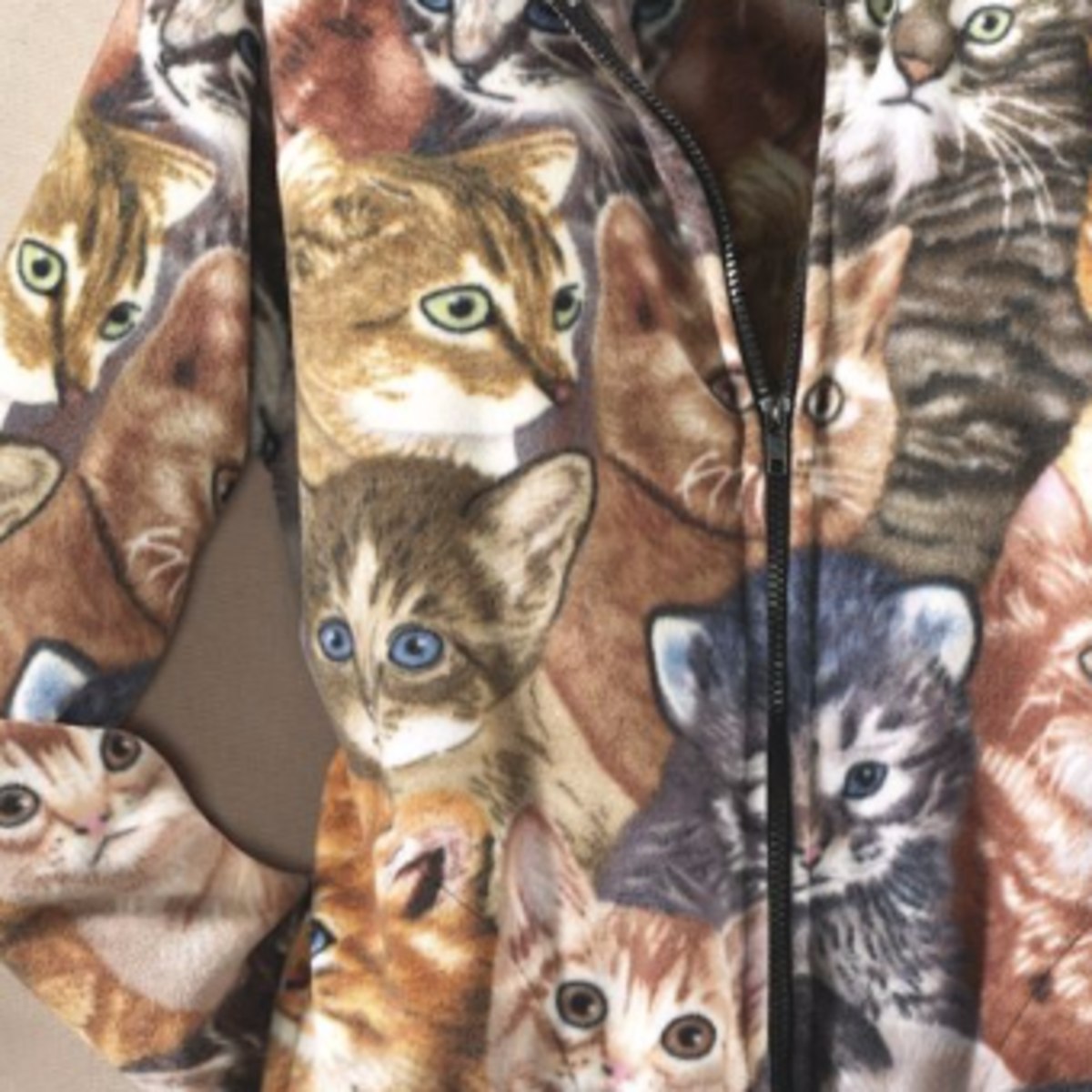 Look at this lovely fleece covered with ... yes you guessed it...cats!