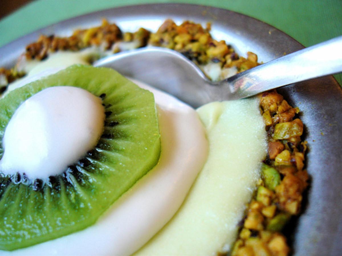 Coconut Avocado Lime Pie with Pistachio Crust (from VeganYumYum)