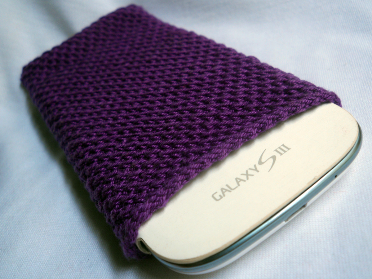 My sister is so loving this phone cozy!