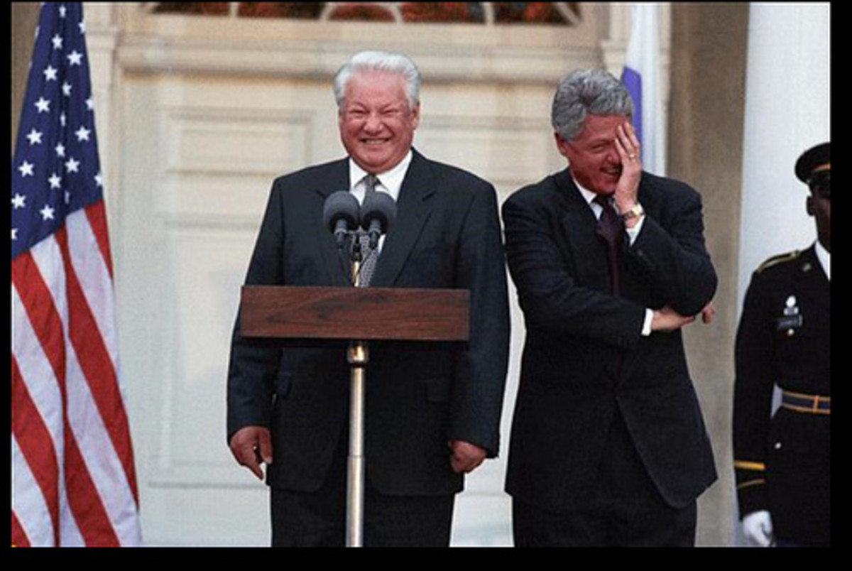 Clinton and Yeltsin laughing.