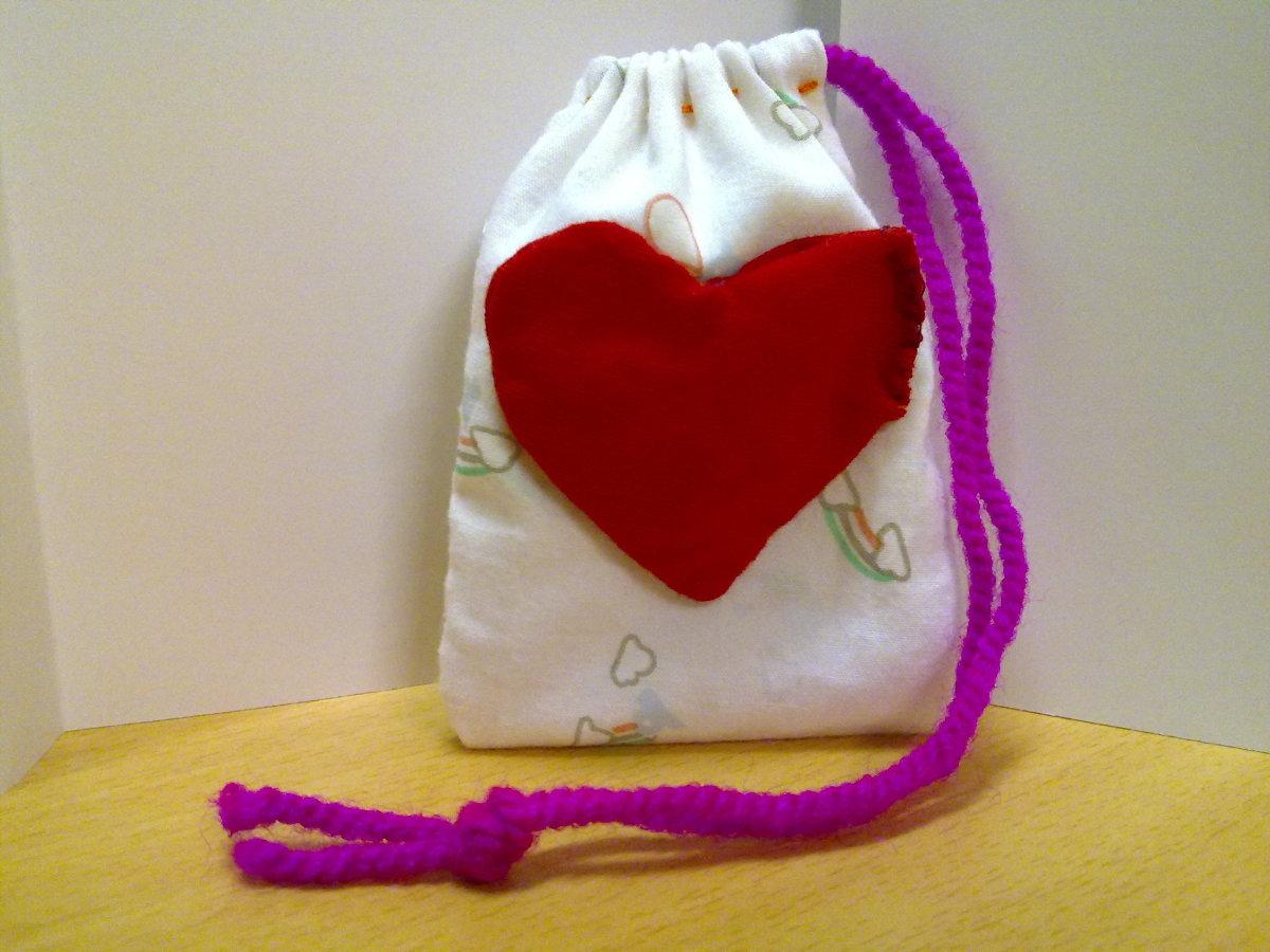 Heart pouch