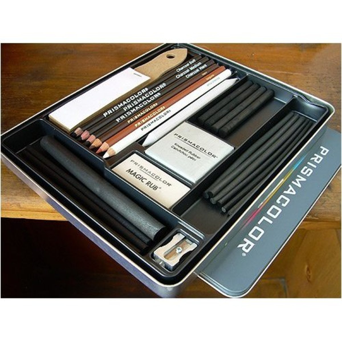 Charcoal pencil sets for creating good sketches and drawings.