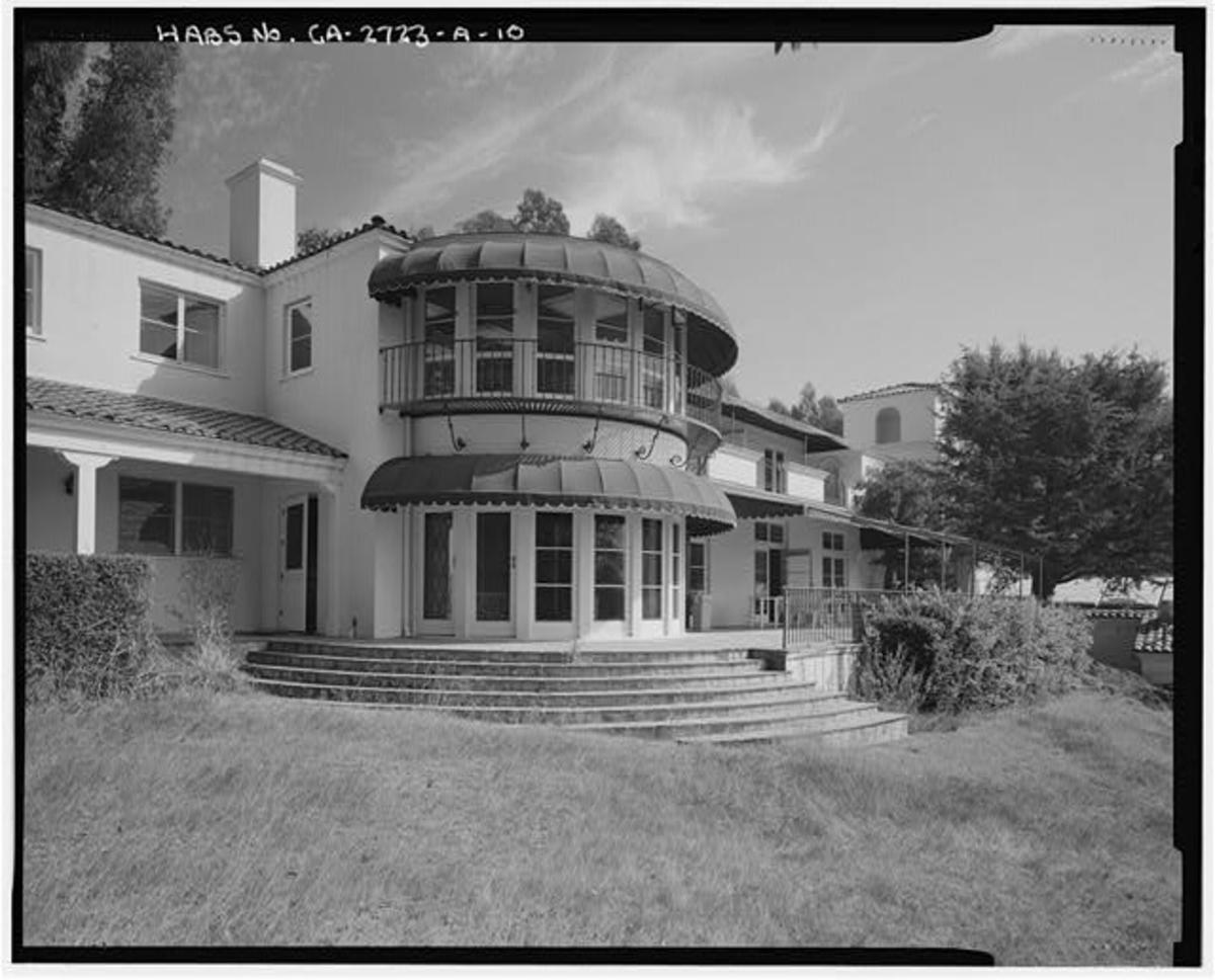 Northeast Exterior of the Villa, at the dining room.
