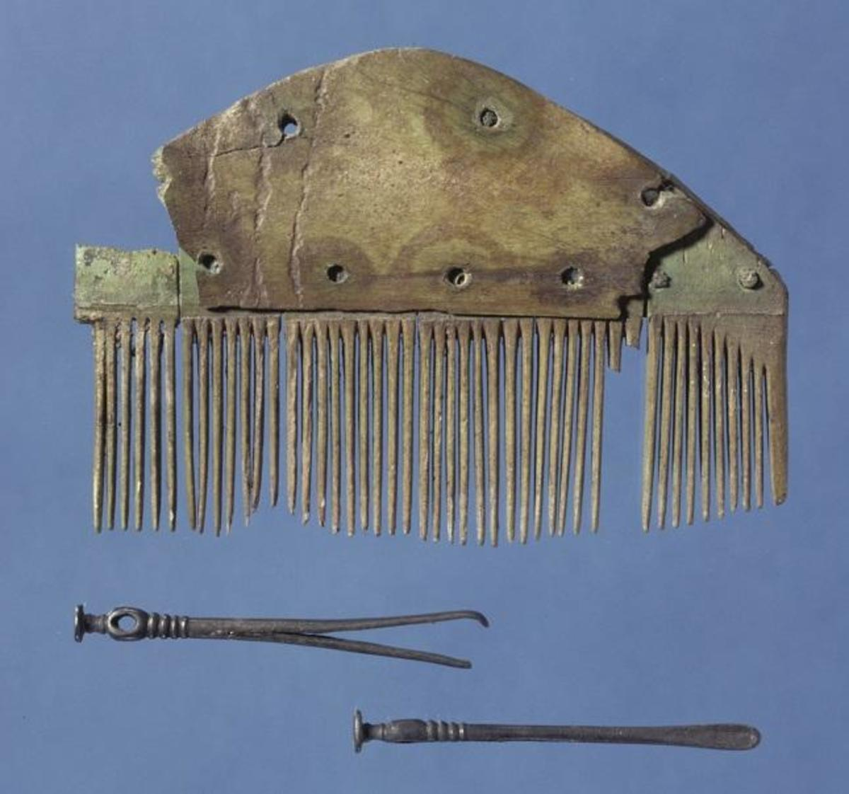An example of a comb from an excavation