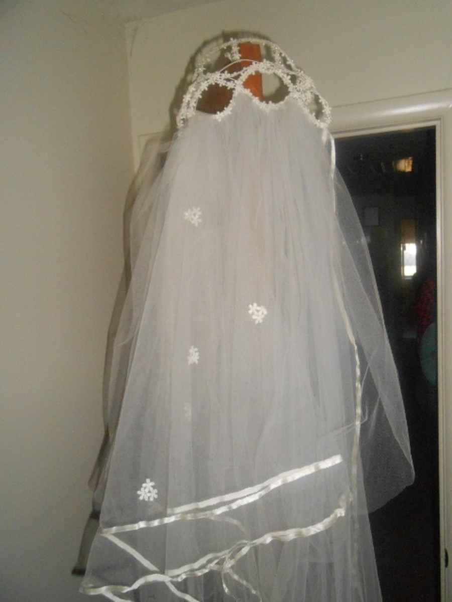 Matching veil to go with Vintage wedding gown