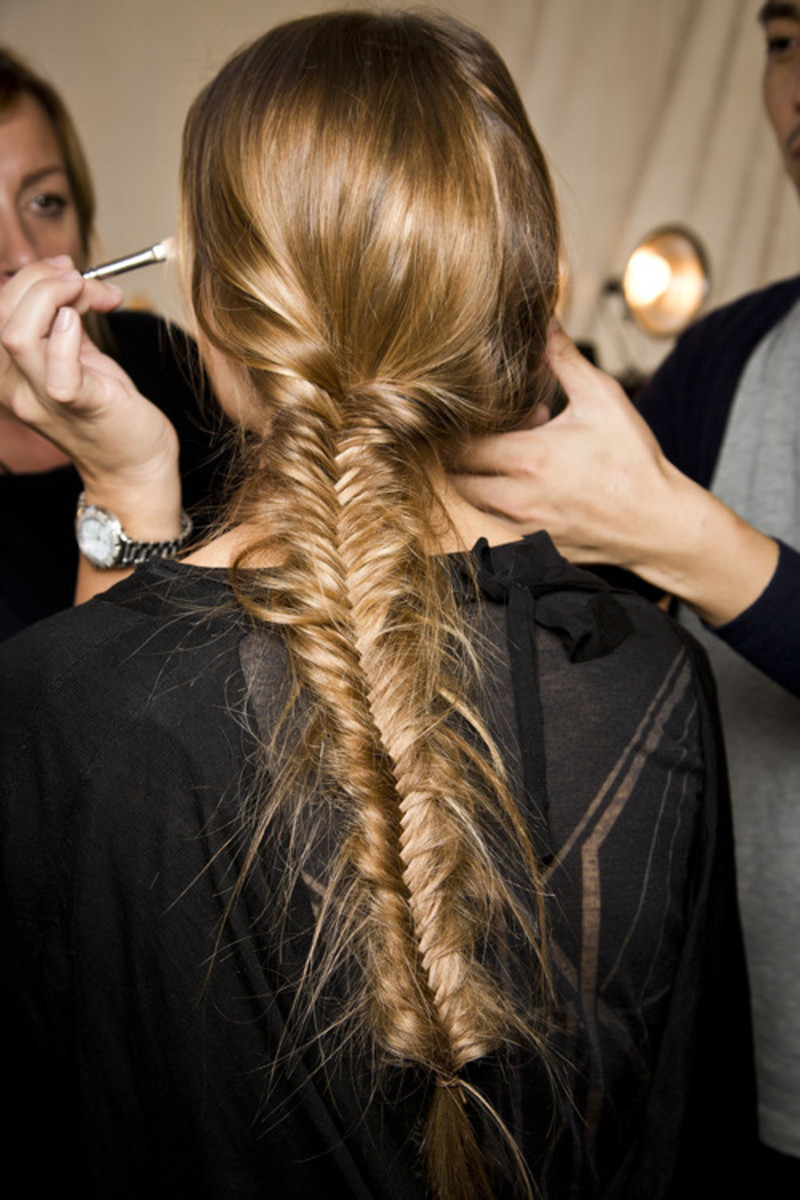 Many styles can be applied to long hair