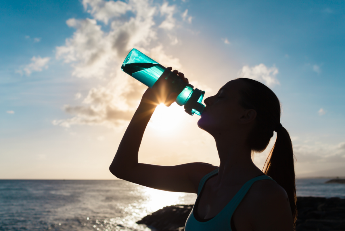 7 Reasons to Start Your Day Off With a Glass of Water