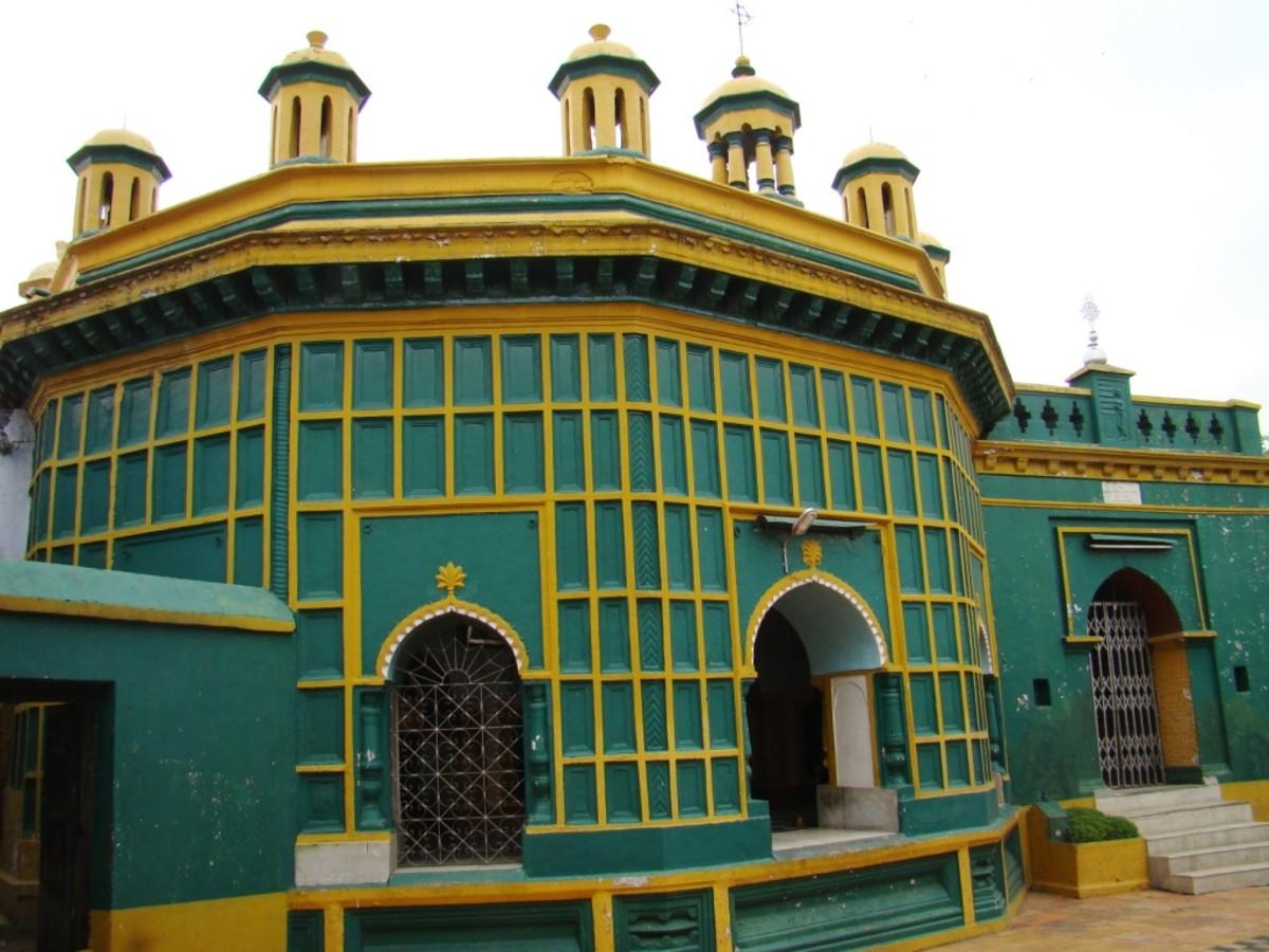Mohanta Asthal temple, Ukhra
