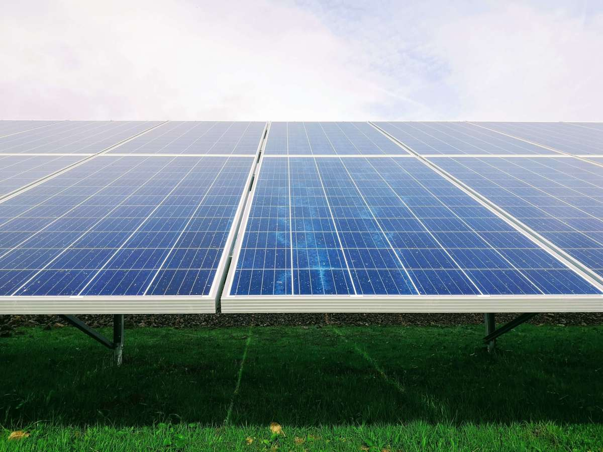 What Makes a Photovoltaic System Perform Better or Worse?