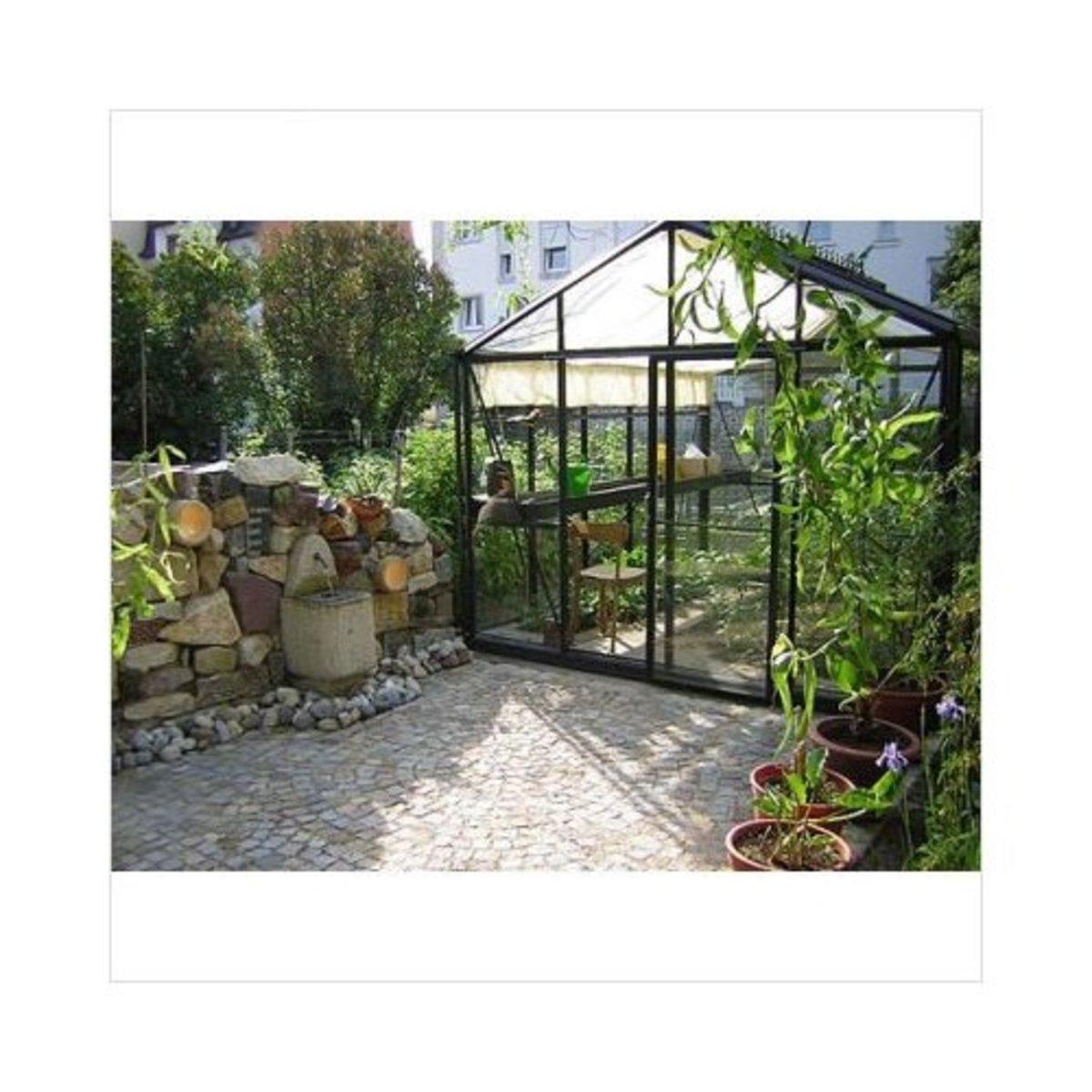 Janssens of Belgium VI34/PP4L Royal Victorian 10' x 15' Glass Greenhouse w/Accessories