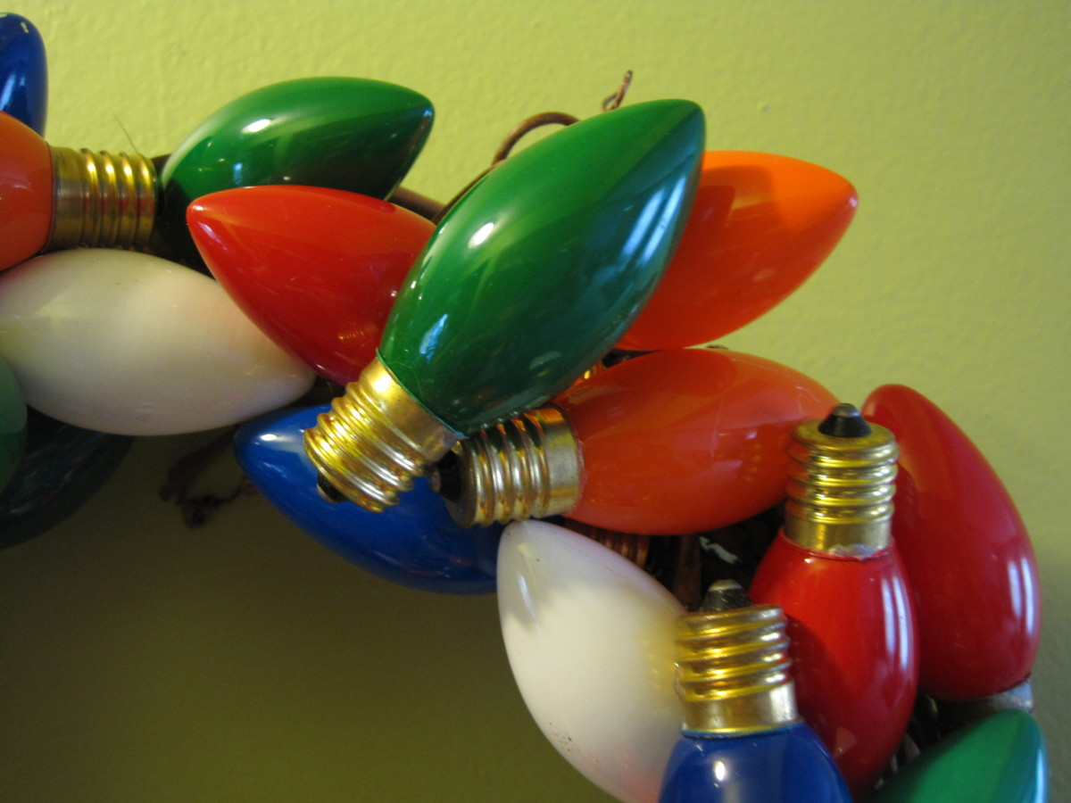 Detail of light bulb wreath.