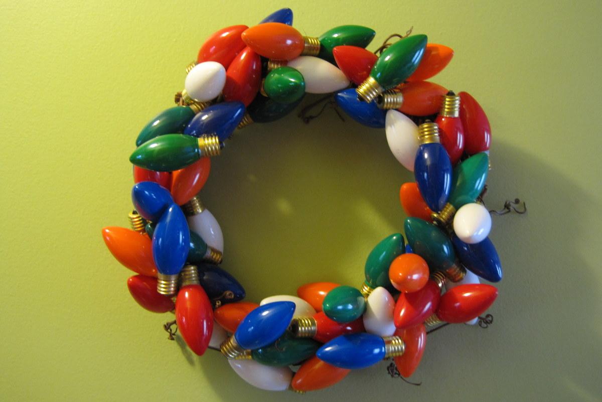 Christmas light bulb wreath!
