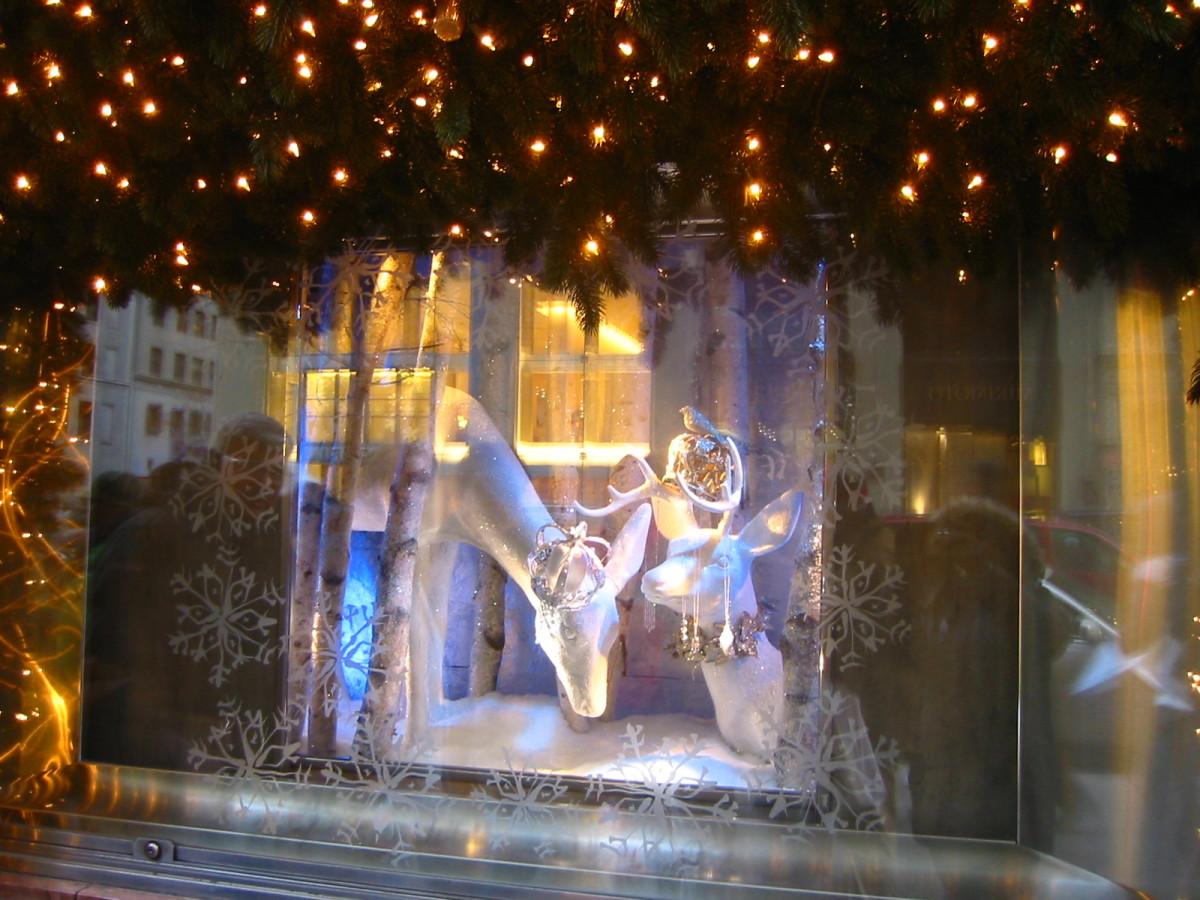 5th Avenue Widow Display