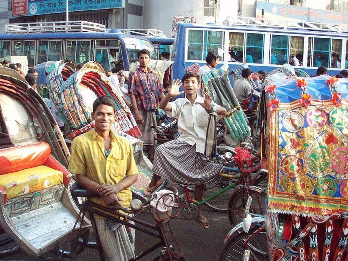 Dhaka - 400,000 rickshaws running each day in Dhaka is awesome?