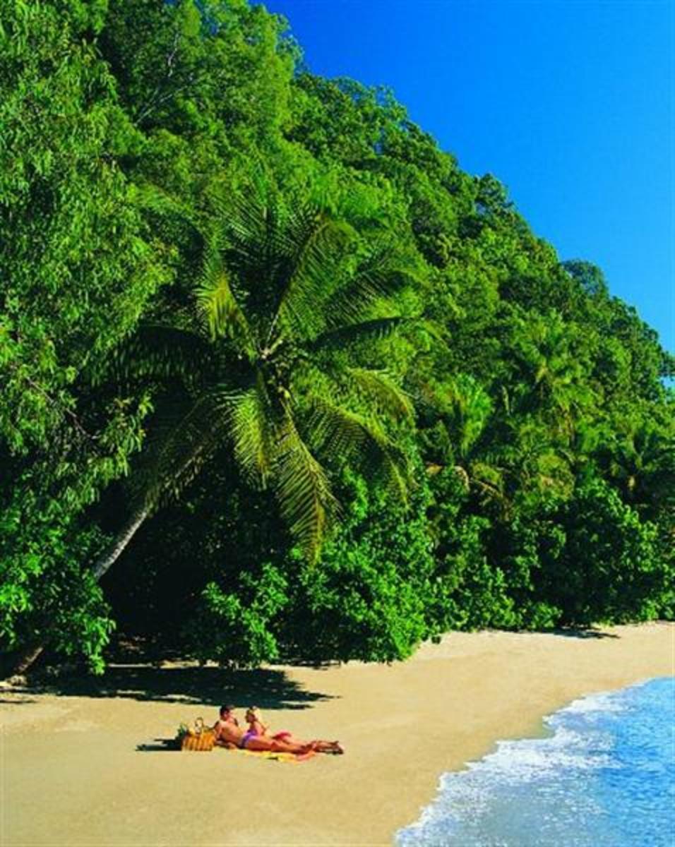 Top 10 tropical vacation destinations caribbean vacation for Best tropical travel destinations
