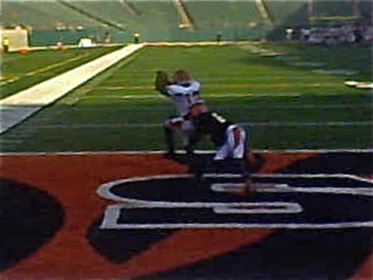 The loss of rookie WR Mohammed Sanu to injury looms larger each week as the Cincinnati Bengals try for the team's first back-to-back playoff berths in 30 years.