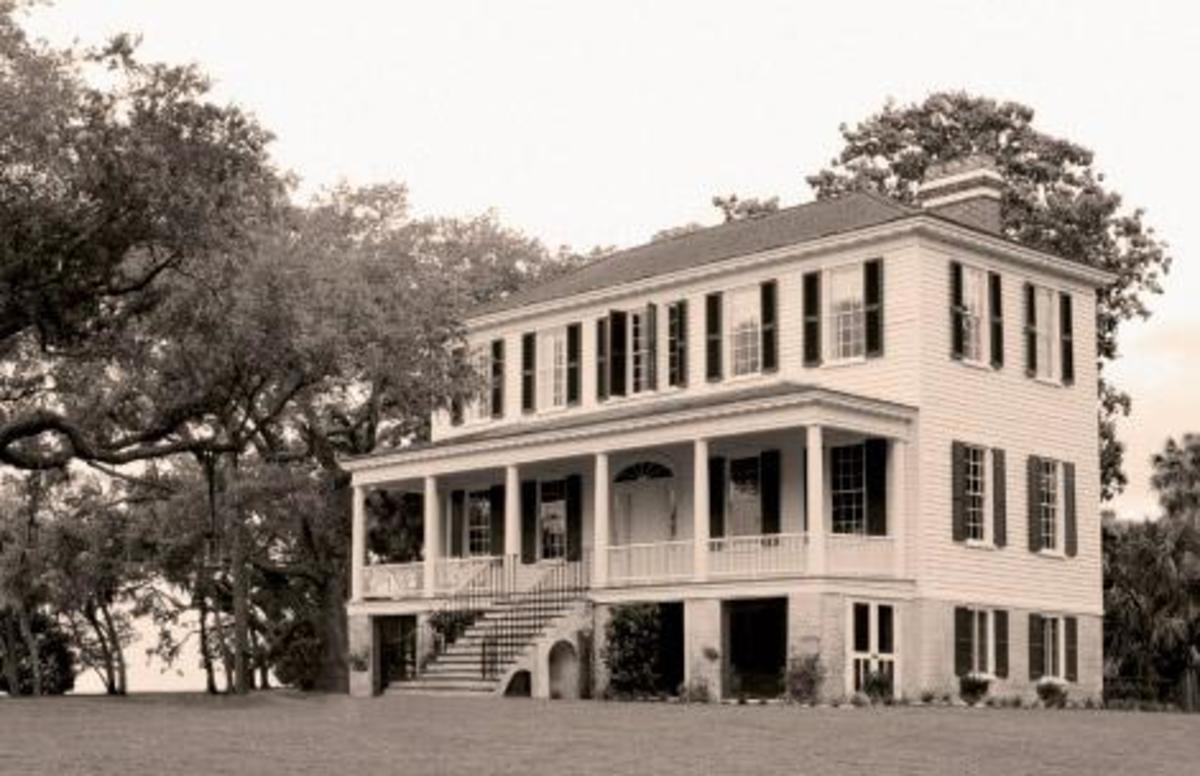 Historic Plantation Homes.