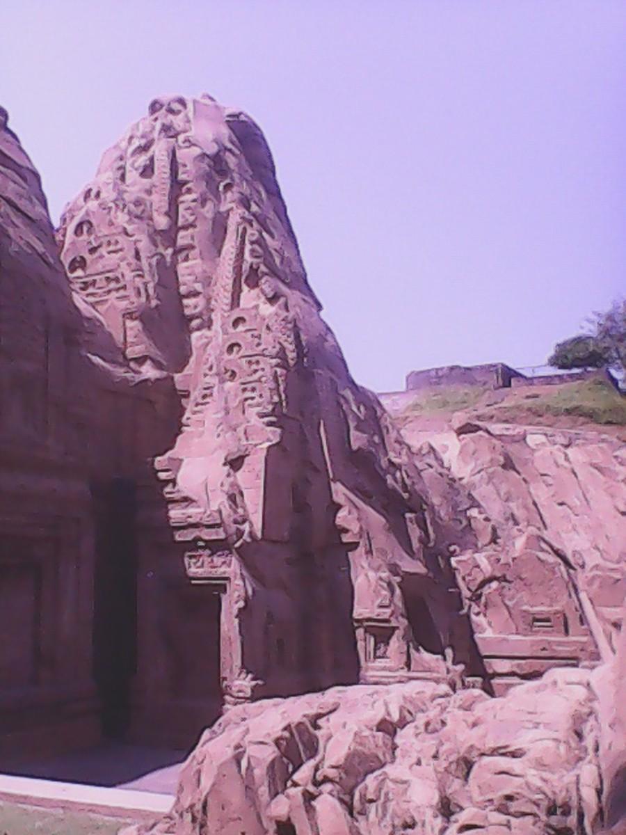 Side adjacent to main Masrur temple