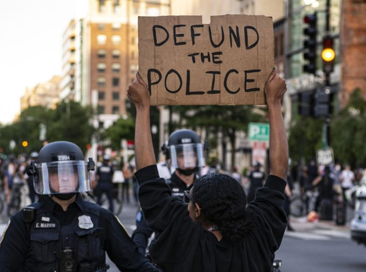 Courtesy of altamar.us/defund-the-police.  Though many have tried to get out to the world a concrete definition of what defund the police means, seems to me that few either share it or know what that is.  Even more so to those outsie.