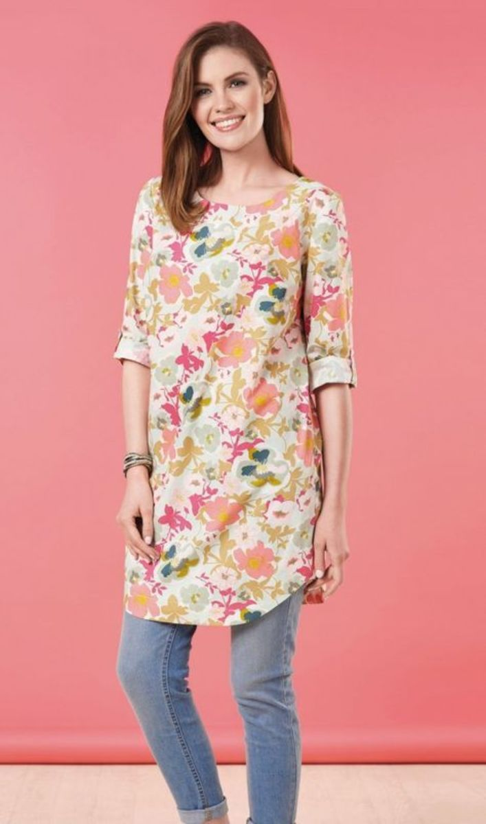 A simple silhouette of a tunic outfit by Julia Claridge