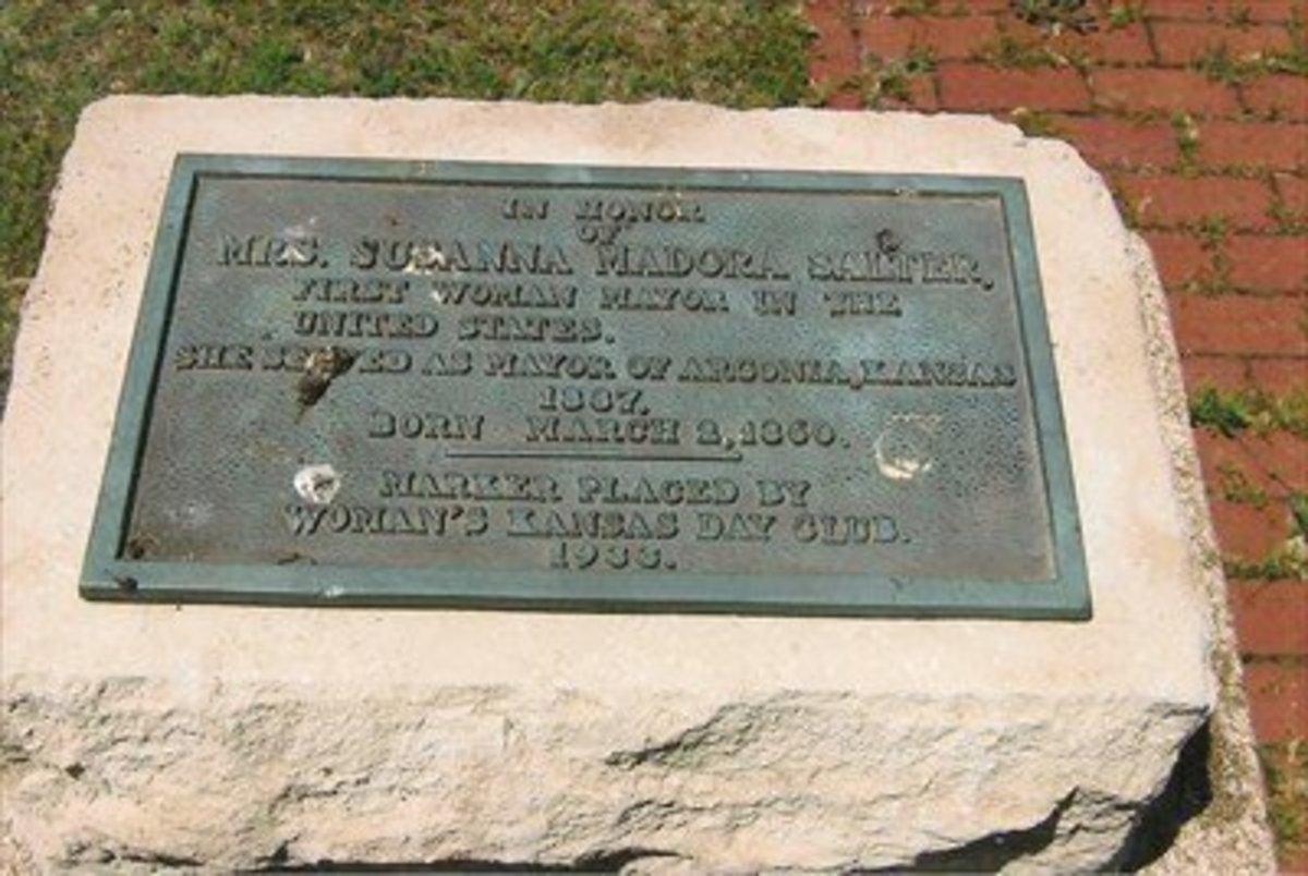 Plaque dedicated to Susanna Salter in Argonia, Kansas