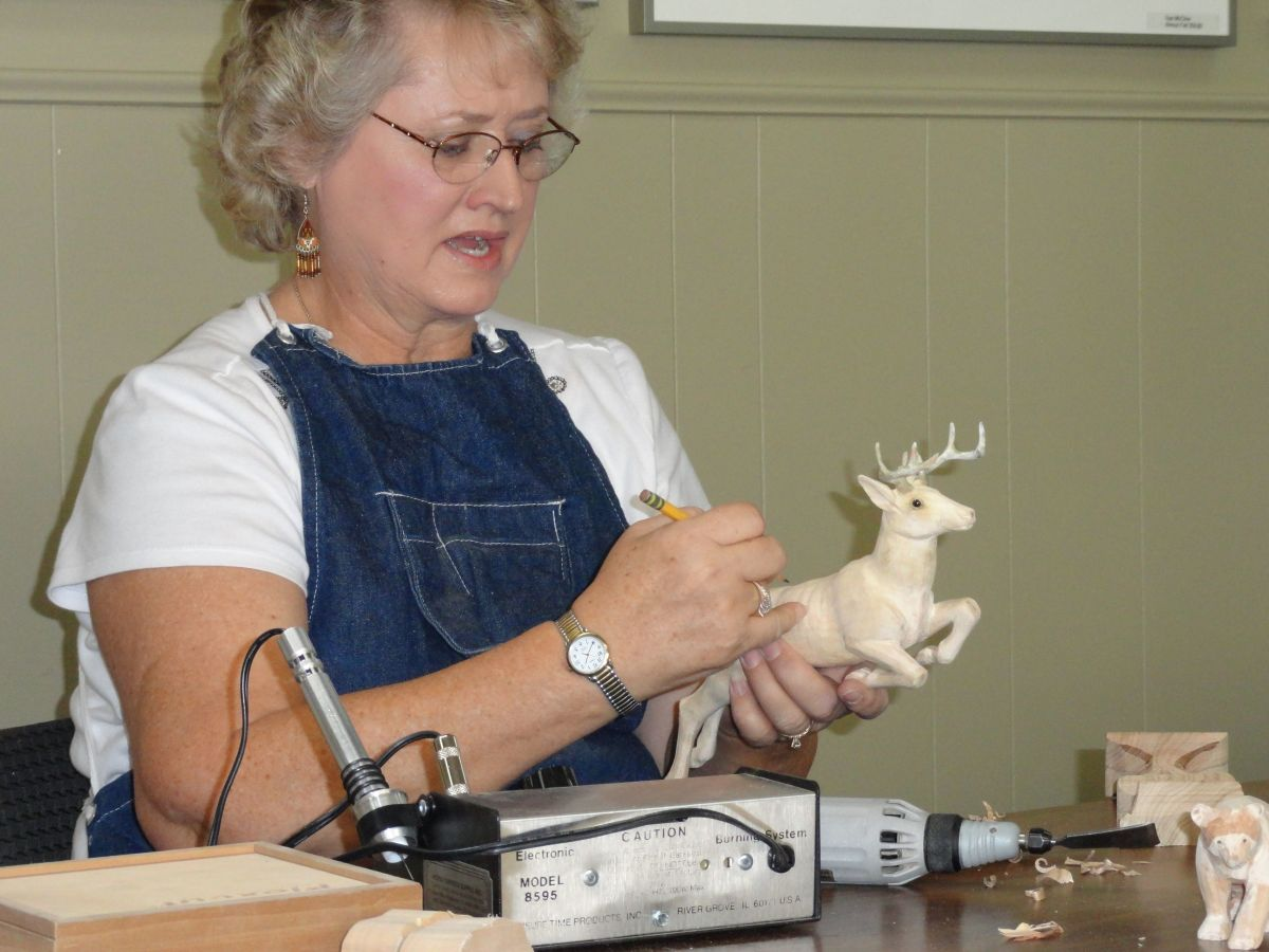 Woodcarving demo by Lola Nelson