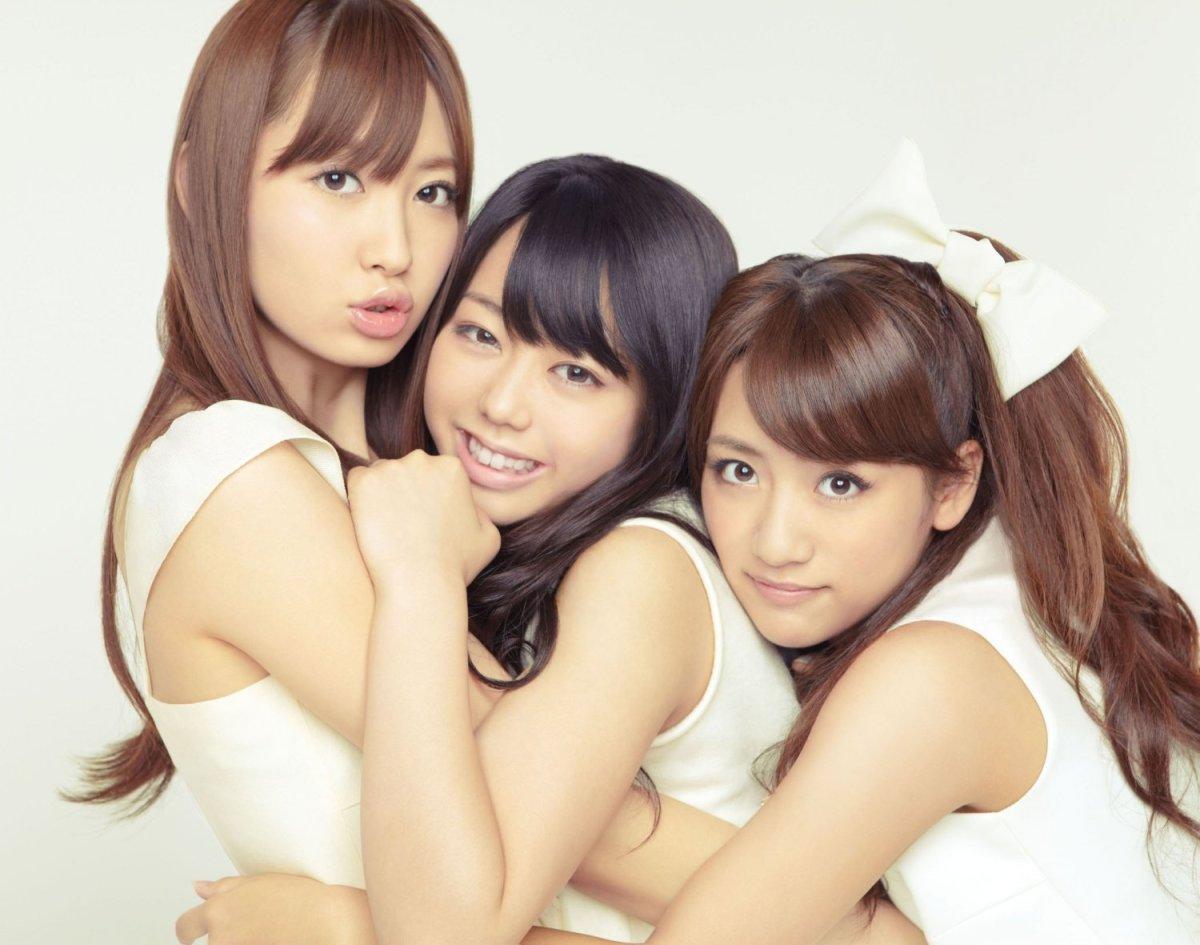 From left to right: Haruna Kojima, Minami Minegishi and Minami Takahashi.
