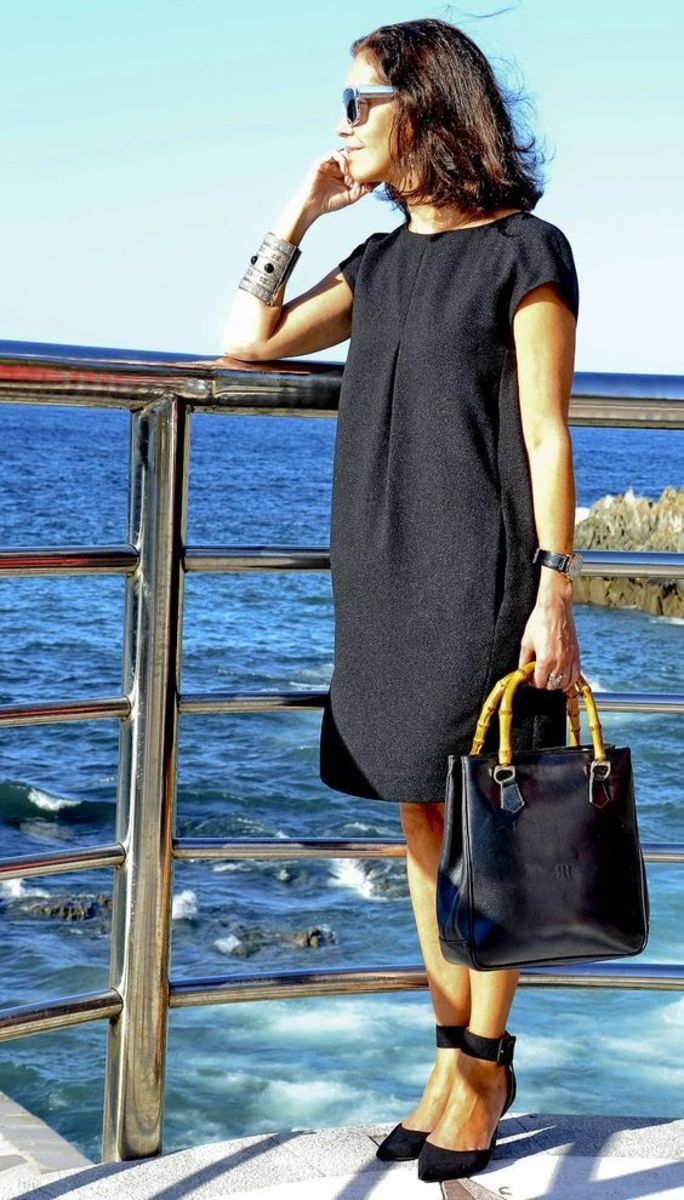 Cool and comfortable wool shift dress
