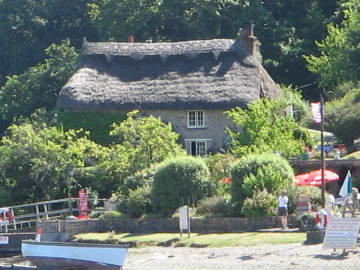 Places to go in Cornwall: Smugglers Cottage, Tolverne.