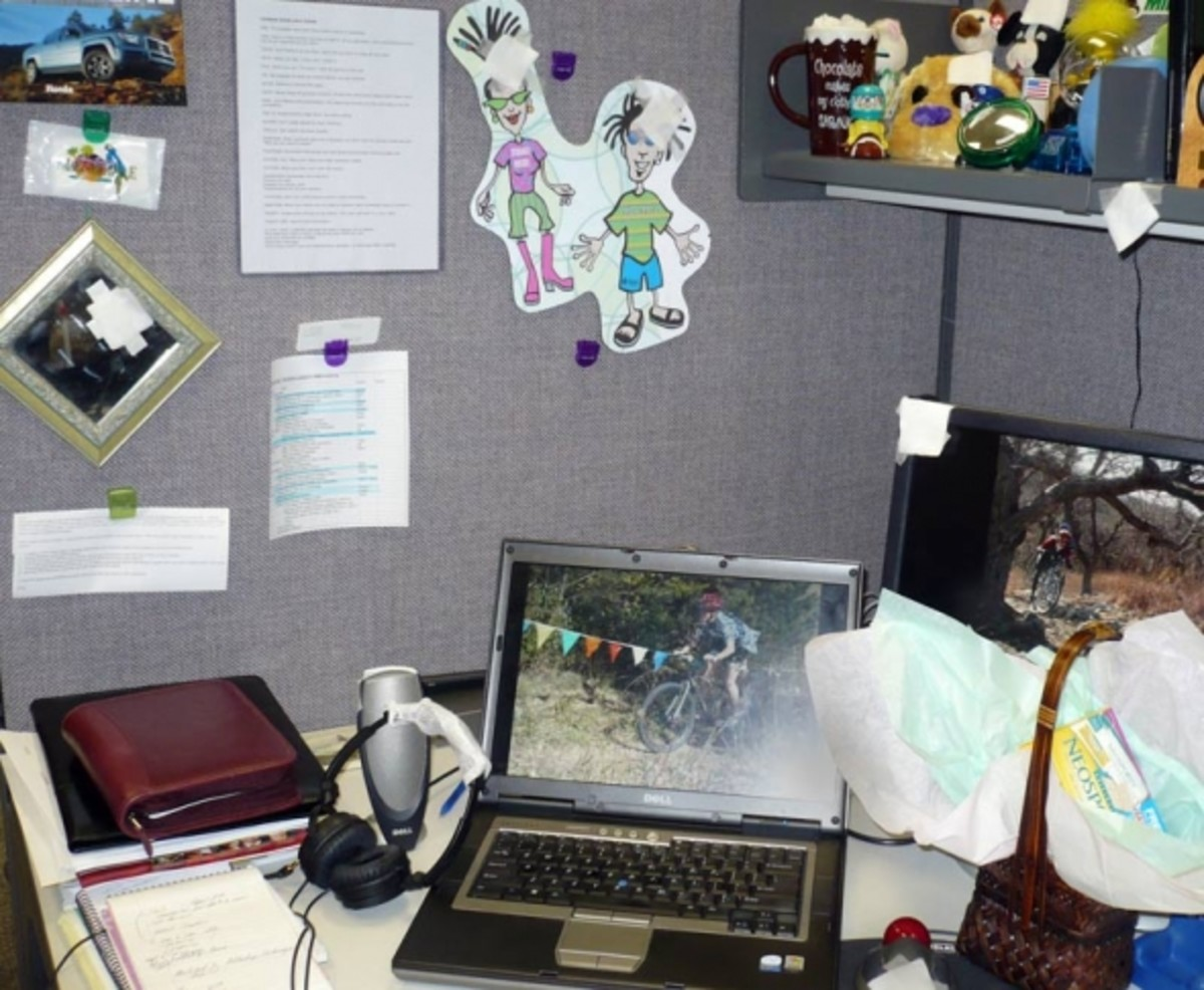 Even my desk and everything on it welcomed me. I also got a useful gift basket (bottom right).