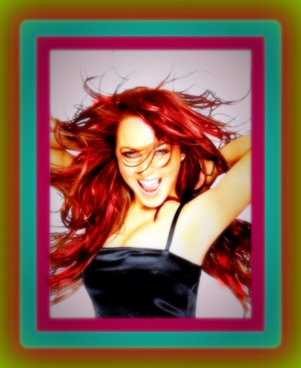 LINDSEY LOHAN WITH LONG RED HAIR