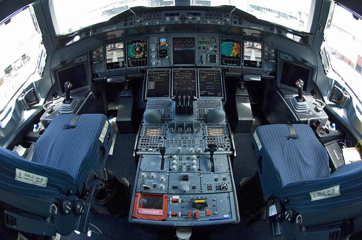 flight-deck-audible-voice-warnings-aircraft-collision-and-terrain-avoidance-systems