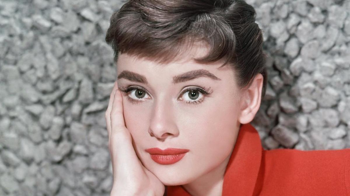 tribute-audrey-hepburn-beautiful-legendary-hollywood-actress