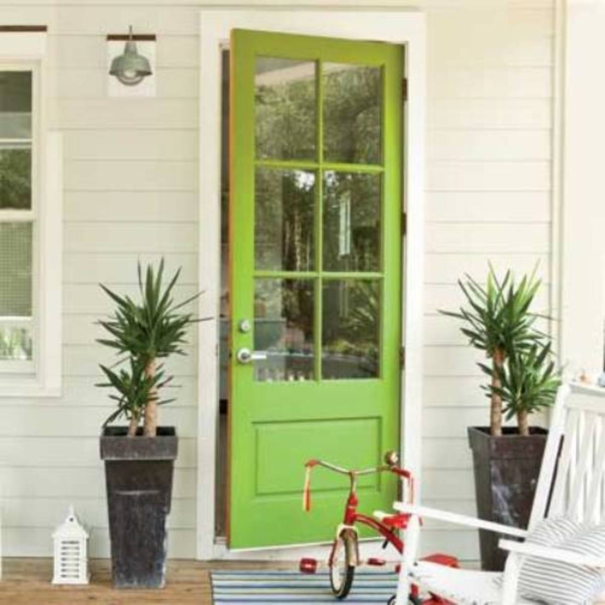 When it comes to making a color statement, few hues top green, especially this lime green.
