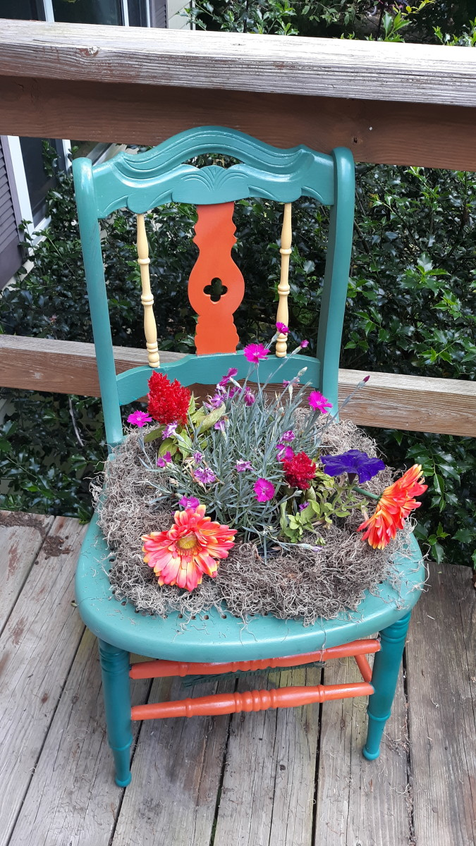 make-your-own-chair-planter-diy-for-your-garden-porch-or-deck