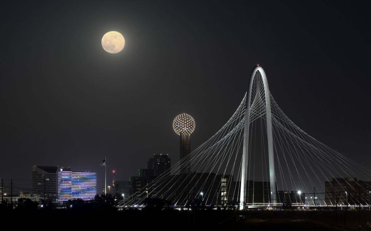 July 2014 supermoon over Dallas