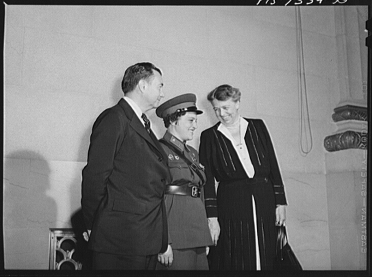 Liudmila Pavlichenko with Mrs. Roosevelt and Justice Robert Jackson