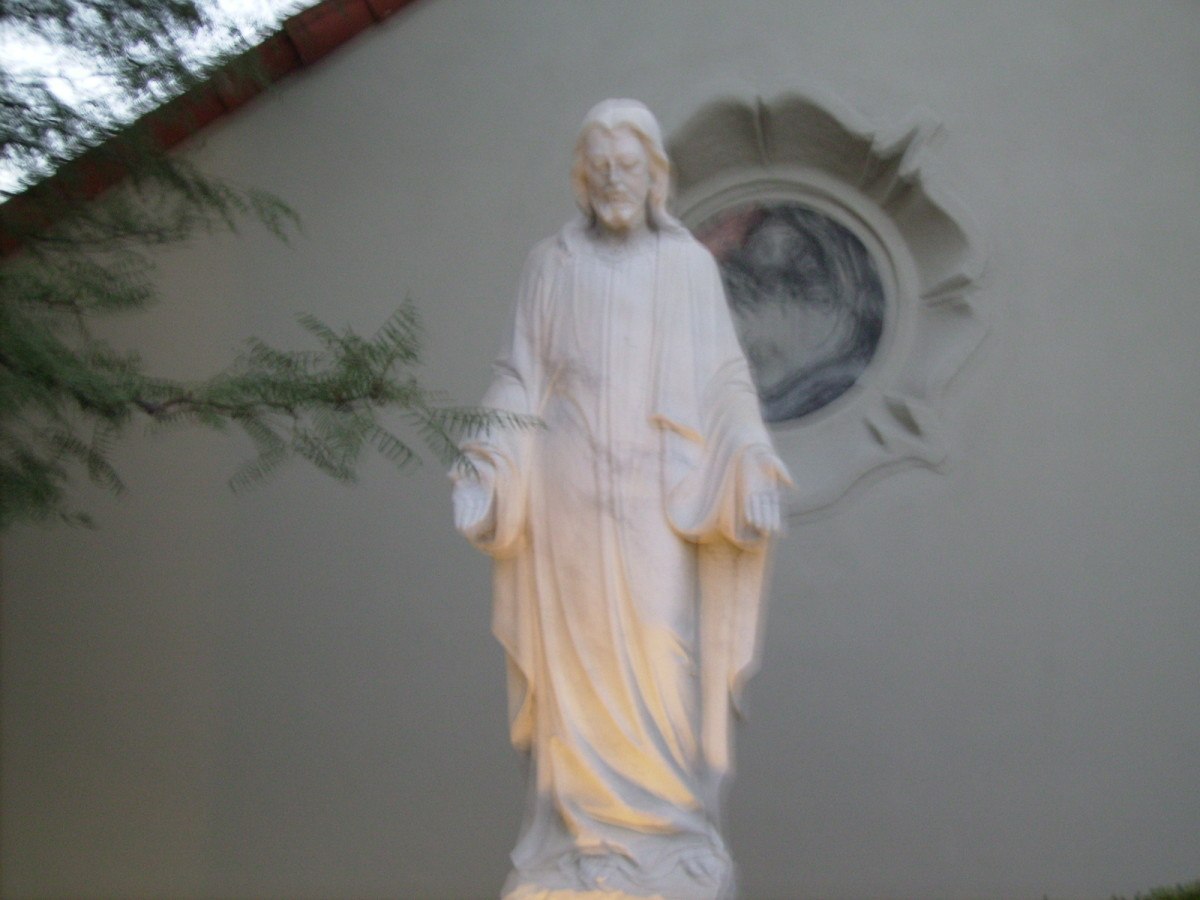 Statue of Christ in front of Our Savior Lutheran Church in Tucson, AZ