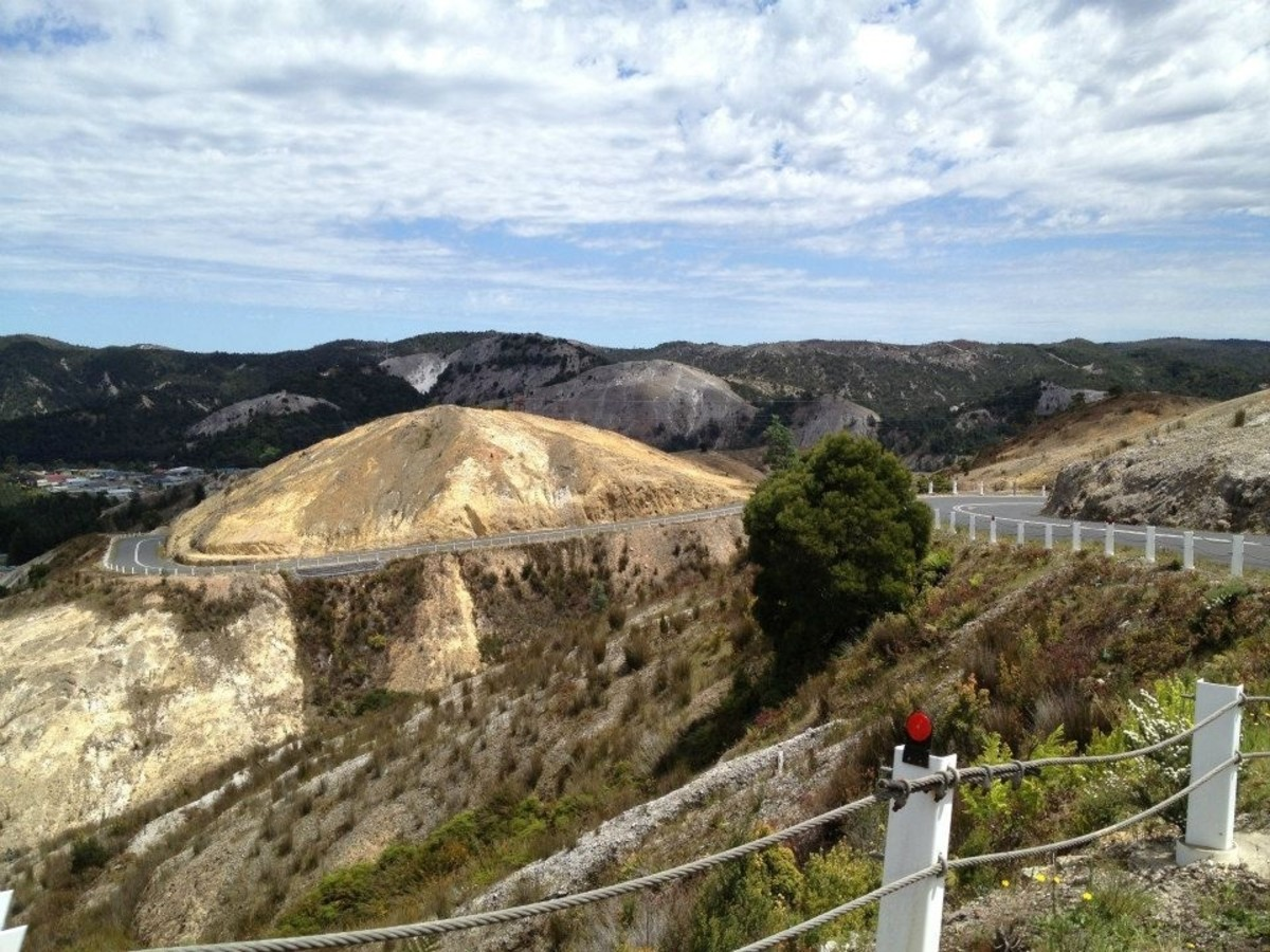 Great roads in Cradle Mountain, Tasmania.