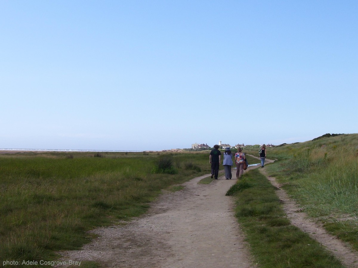 The route attracts many walkers, from family groups out for a stroll to avid bird-spotters, joggers and dog-walkers, to photographers and artists who find the quality of light rivals that of St Ives.