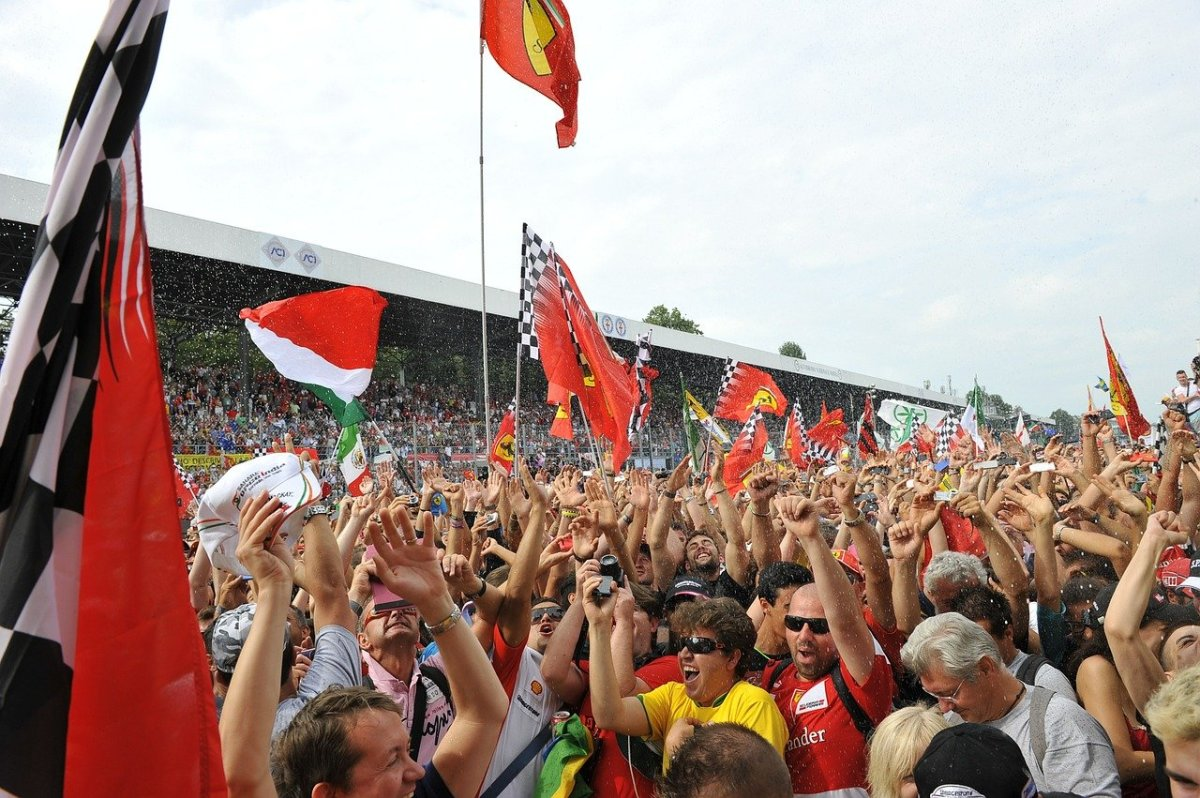 in-formula-one-calendar-teams-riders-and-point-scoring-system