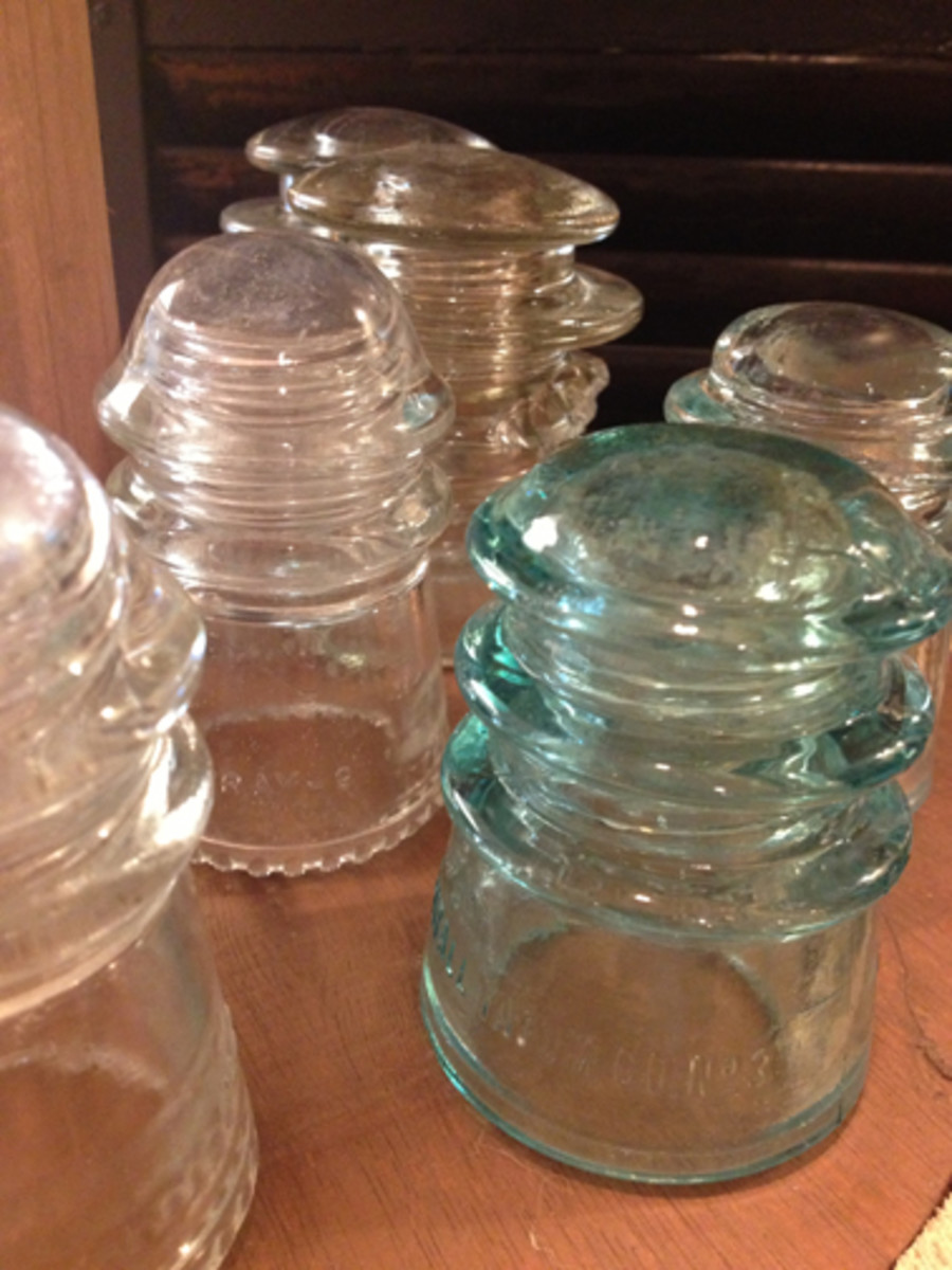Glass insulators are scattered throughout the museum. Because of their unique appeal, the museum also sells them. Crafters often used them.
